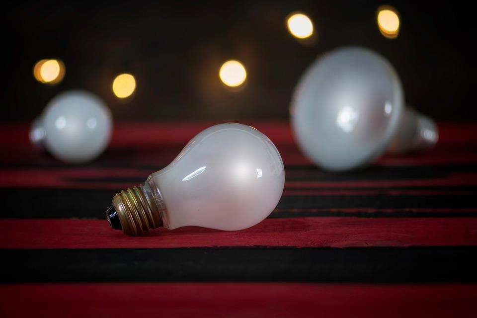 žiarovky, svetlá